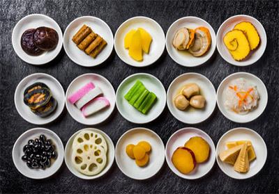 小さな子供にとっておせち料理は「地味」「茶色」「食べにくい」